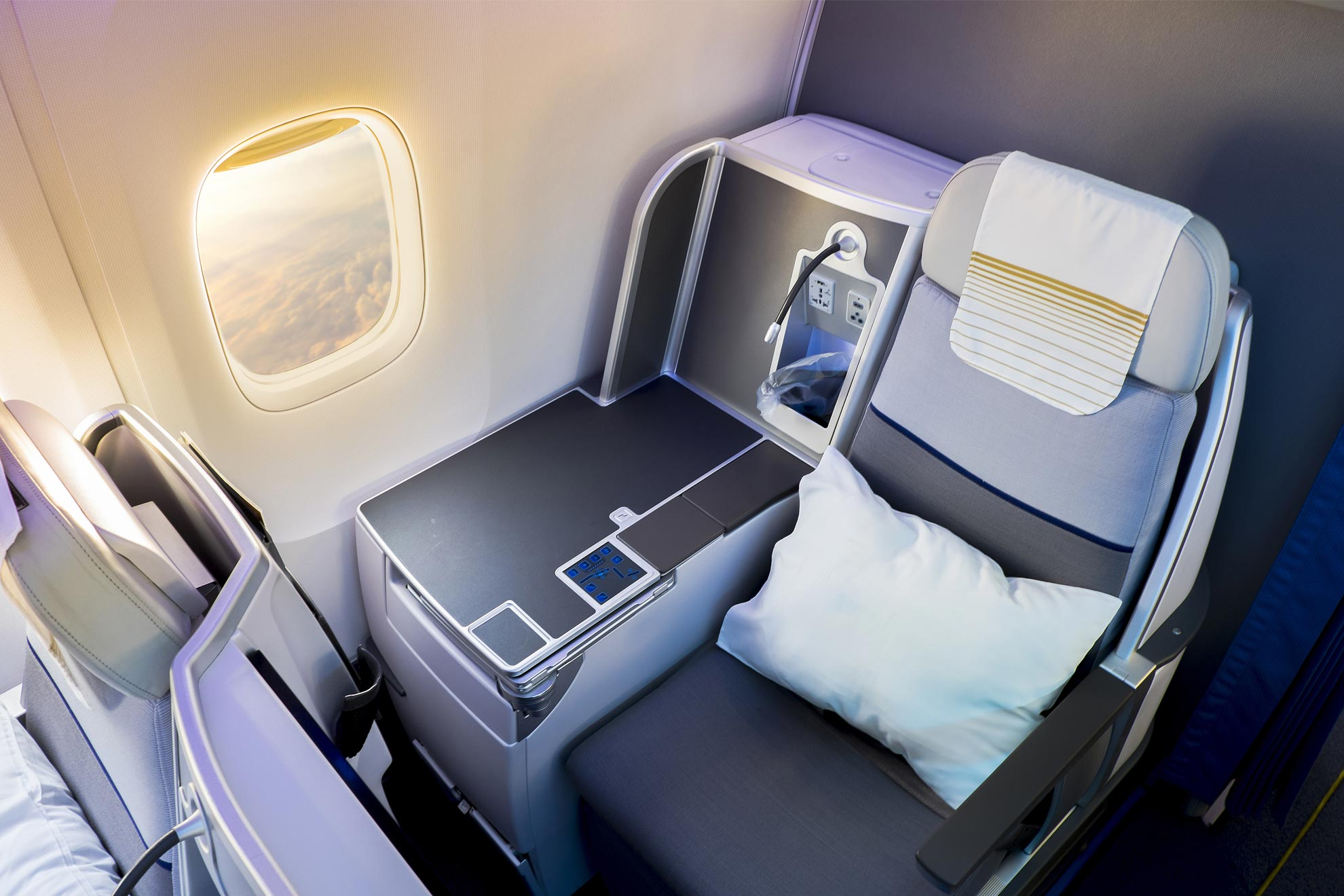 Tips to get the Cheapest Deals on Business Class Flights to Australia