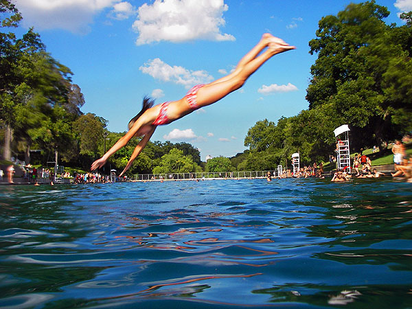 Recuperate your body and soul dive in at barton springs pool austin for Barton swimming pool timetable