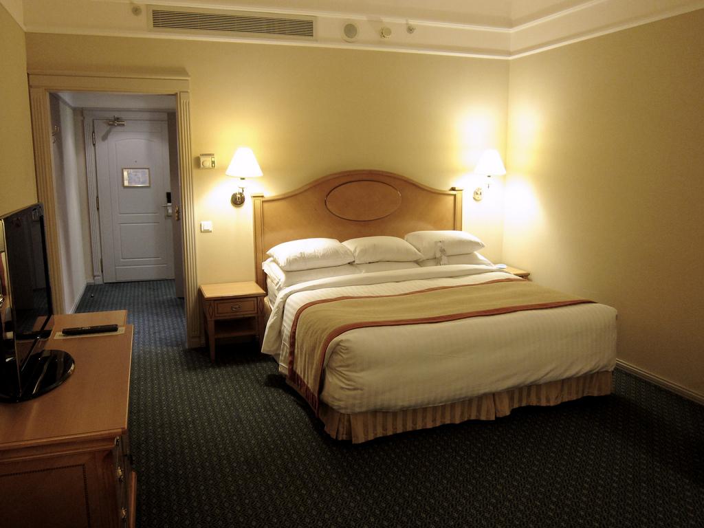 Moscow Marriott Grand Hotel Bedroom