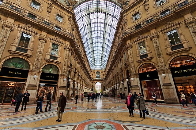 Grab your credit card for these amazing shopping destinations for Cheap shopping in milan