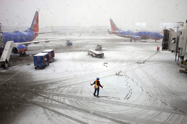Snowstorm-Disrupts-Flight-Operations-across-the-US