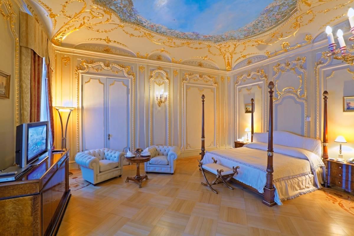 Taleon Imperial Hotel St. Petersburg Luxury Bedroom