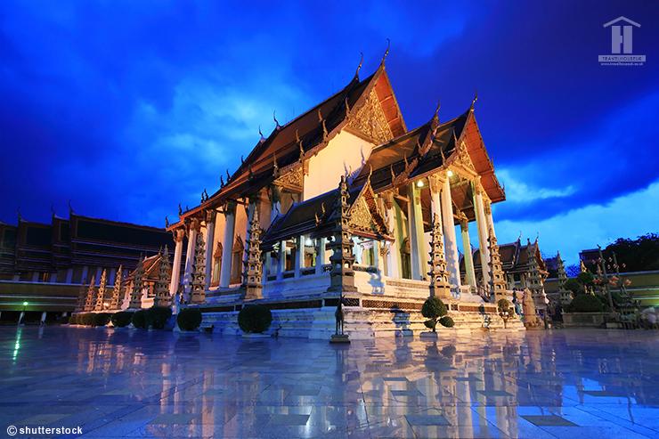 Wat Suthat Bangkok Exterior view