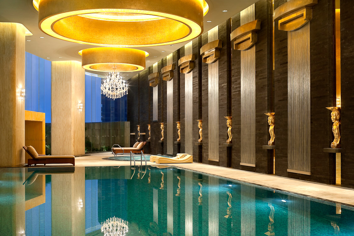 Where to stay in glitzy guangzhou for Indoor swimming pools in mesa az